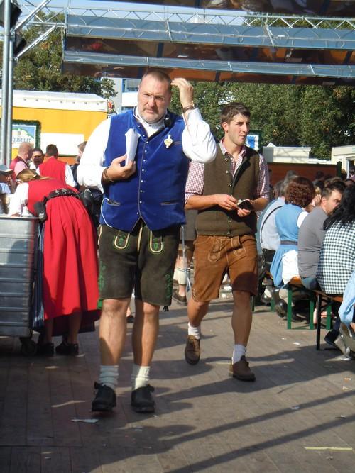 PHOTOS DE L'OKTOBERFEST 2011 A MUNICH Dscn1187-2d31f7a