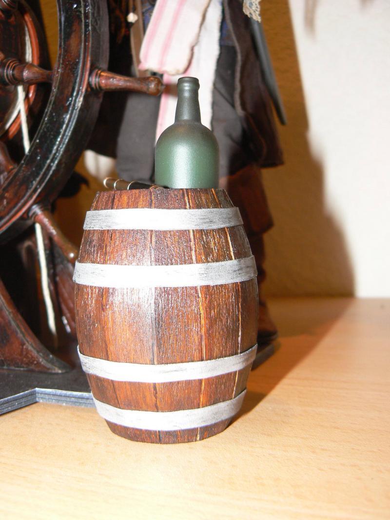 Les customs du Skarabee - tonneau de rhum en bois pour mon capitain (page 4) - Page 3 P1030465-31daeb8