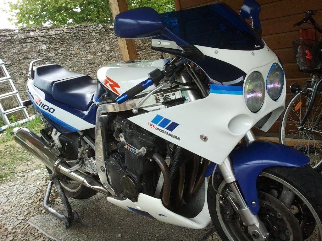 VDS 1100 GSXR blanc/bleu de 1990 New-pot1_small-2b5e2f4